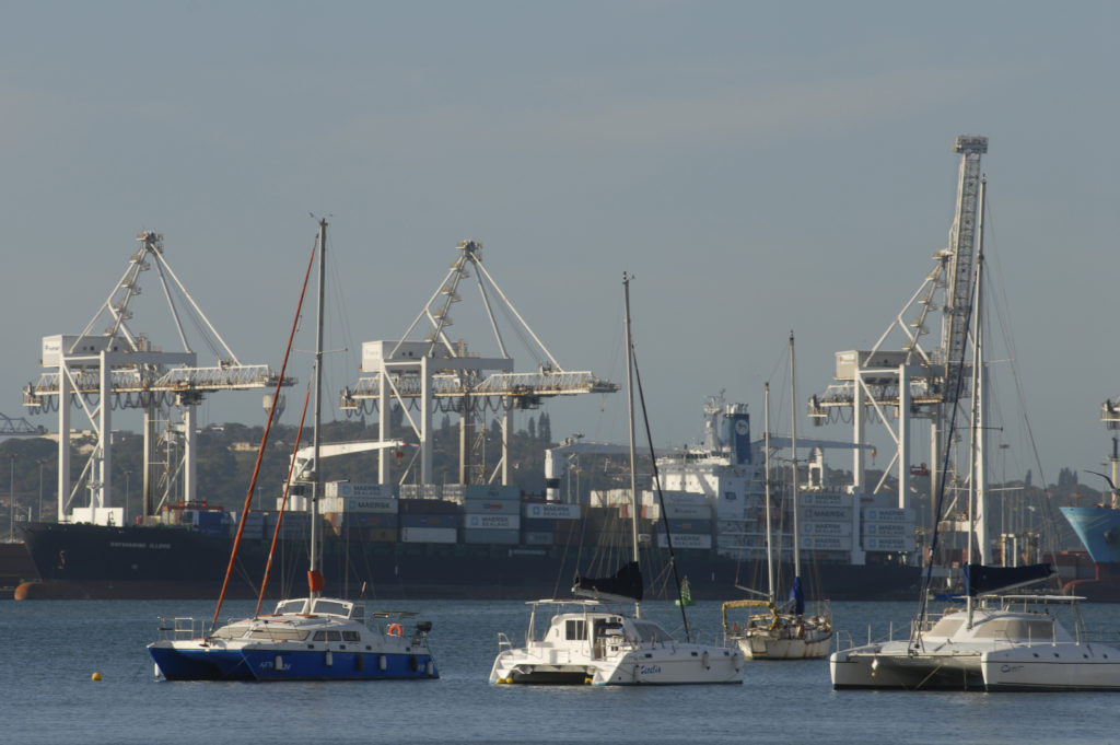 Durban, KwaZulu-Natal province: Harbour scene