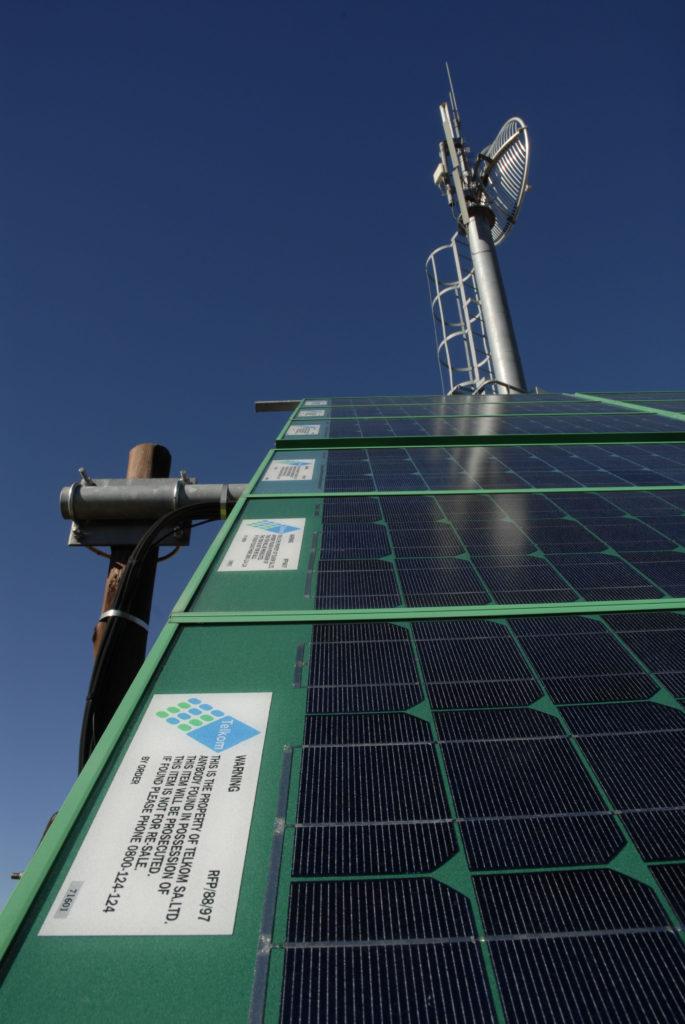 Sutherland, Northern Cape province: Solar-powered cellular phone mast